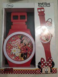 Большие фирменные настенные часы Disney  Минни маус длина ремешка 92 см