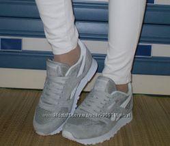 Женские кроссовки Reebok серые, натуральная замша