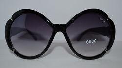 Gucci 28038 солнцезащитные очки в черной оправе Италия