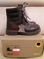 Кожаные демисезонные ботинки BATA  27р.