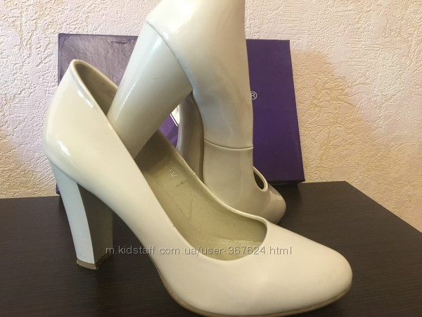 Туфельки V. Vini 39 размер