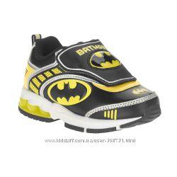 Кроссовки с мигалками  BATMAN .  Размер 31. Оригинал. США.