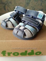 Кожаные сандали Froddo 19p.