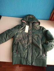 Демисезонная короткая куртка.