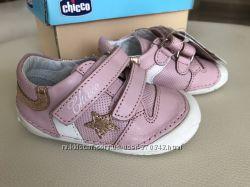 Розовые со звездами туфельки CHICCO