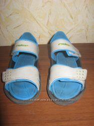 Детские босоножки, сандали RIDER  25 р