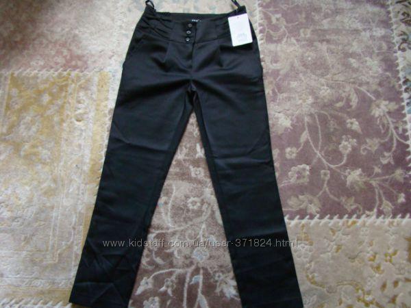 Продам новые школьные брюки Sly р. 134