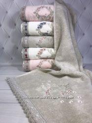 Шикарные хлопковые полотенца с вышивкой Pupilla