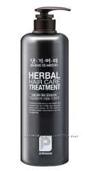 Кондиционер для волос Daeng Gi Meo Ri Herbal Hair Care Treatment