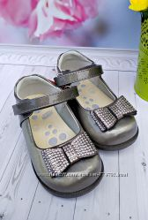 Туфли р-р 22-26 с лаковой кожи фирма сказка серые