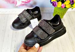Кроссовки на девочку р-р 26-36 черные со стразами