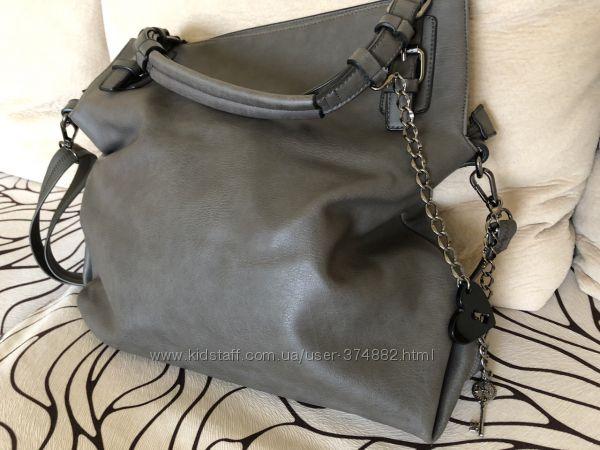стильная сумка из эко-кожи.