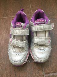 Продаются красивые кроссовки на липучках на девочку размер 31, 5