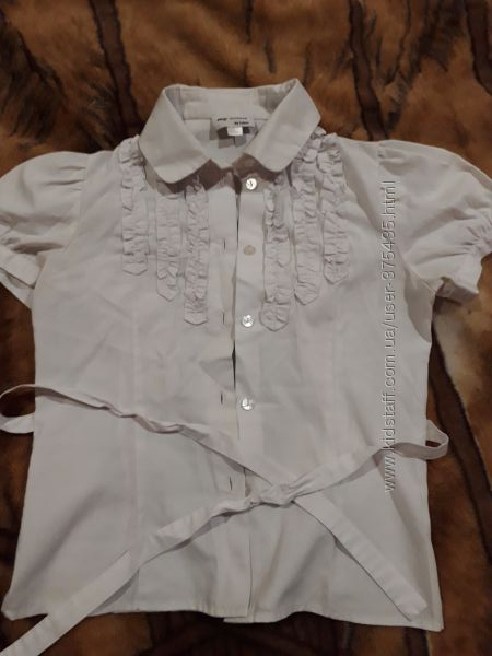 Школьная блузочка в отличном состоянии