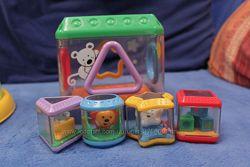 Фирменные игрушки малышам