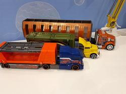 Тягач и грузовики Hot Wheels