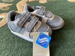 Новые кроссовки Mango 21 р