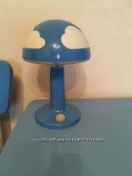 ИКЕА настольная лампа Скойг.