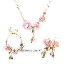 Набор ожерелье браслет серьги розовые цветы Les Nereides комплект вечерний