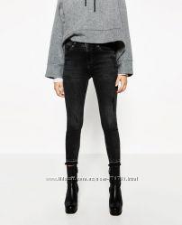 Укороченные джинсы Zara с потёртостями. Размер 34-36