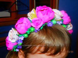 Пышный ободок с цветами из фоамирана