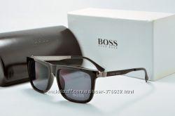 Солнцезащитные очки Boss 1293