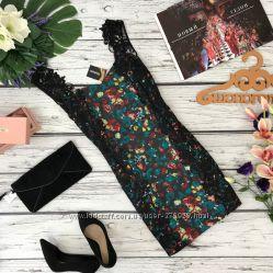 Легкое платье с ярким принтом и гипюровой отделкой Kaleidoscope  DR180426