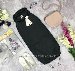 Спортивное платье из болоньевой ткани от H&M Studio  CG181659