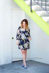 Шикарное платье в цветы р. 38 H&M
