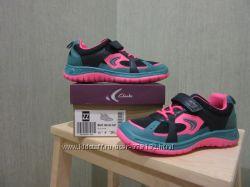Новые кроссовки Clarks 30
