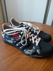 66a25e707f6fe1 Спортивная обувь для женщин Adidas - купить кроссовки и кеды в ...