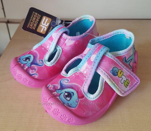 Польская текстильная обувь