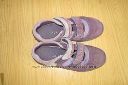 Наші кросівки в гарному стані, натуральна замша
