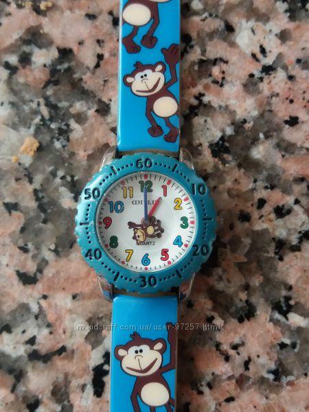 Детские наручные часы состояние новых