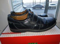 Кожаные туфли для школьников р. 34