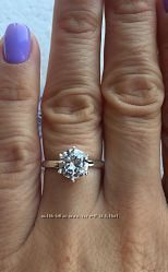 Серебряное кольцо. С круглым камнем. Диаметр 8мм.