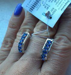 Серебряные серьги с синими камнями.