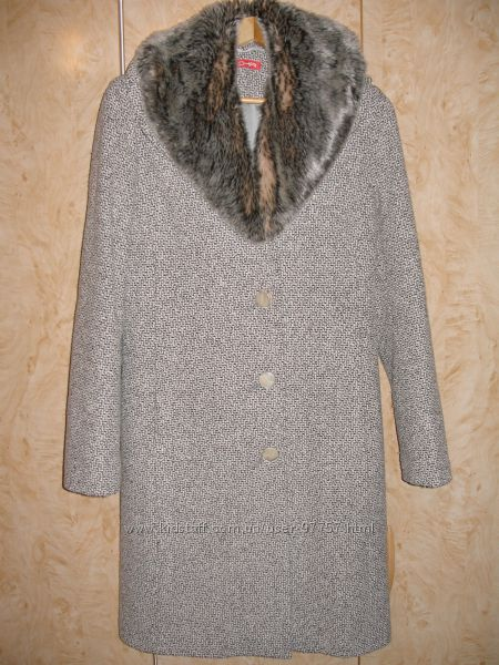 Продам женское классическое шерстяное пальто Christine Evermen. Размер М.