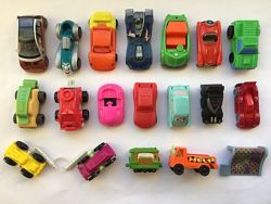 Продам игрушки из киндер сюрприза -  машинки и прочую технику