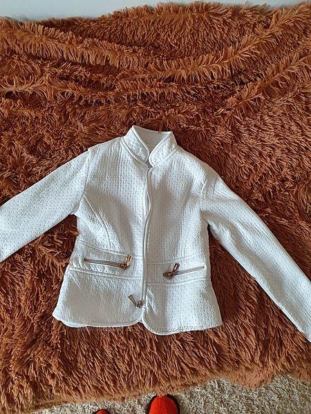 Стильный белый пиджак на все случаи жизни