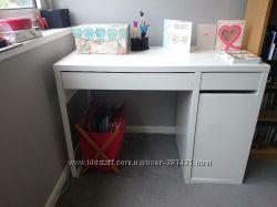 столы MICKE от Ikea