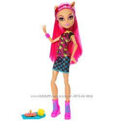 Кукла Monster High Creepateria Howleen Wolf Хоулин Вульф  Крипатерия