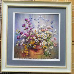 Картина вышита лентами Лето в вазе