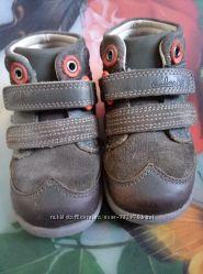Ботиночки демисезонные Clarks