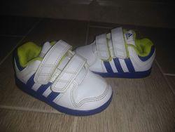 Фирменные кроссовки ADIDAS р-р 22 ст-ка 13. 5 см