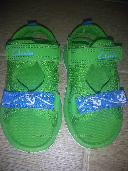 Невесомые сандали CLARS  р-р 20.5
