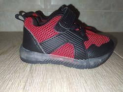 Светящиеся кроссовки Primark