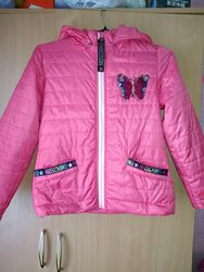 Лёгкая Деми куртка в отличном состоянии