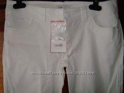 две пары белых брюк-скинни Oodjii р-р М