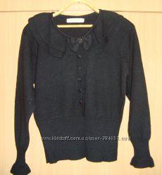 красивый фирменный свитер с бантиком